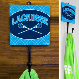 Guys Lacrosse Hook - Crossed Sticks With Chain Link Pattern