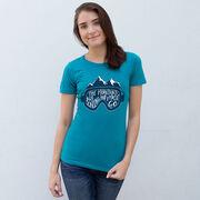 Skiing & Snowboarding Women's Everyday Tee - The Mountains Are Calling